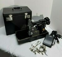 Singer Feather Weight 221 Sewing Machine Vintage 1948