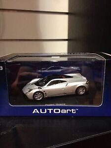 Auto Art 1/43 Pagani Huayra - Metallic Silver