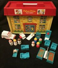 COMPLETE Vintage Fisher-Price PLAY FAMILY CHILDREN'S HOSPITAL #931 Little People