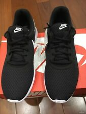 Nike Women's Tanjun Black White Shoes Size 6,5 Width Medium New Box