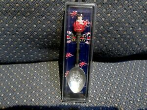 Glorious Britain Silver Plated Collectors Spoon Royal Guard London