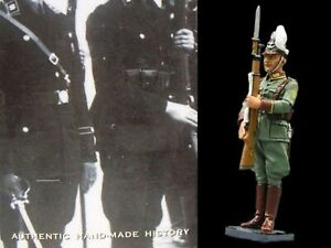 WOW EXTREMELY RARE King & Country LAH072 SS Polizei Man Presenting Arms-BNIB