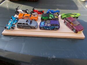 JOB LOT OF 10 ASSORTED  HOT WHEELS CARS/MOTORBIKES  62-USED/MINT/UNBOXED