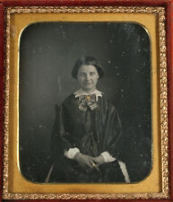 DAGUERREOTYPE WOMAN GOLD TINTED JEWELRY. ORIGINAL SEAL, 1/6 PLATE, FULL CASE.