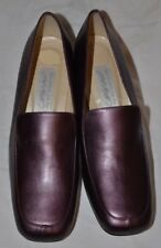 New in Box Women's Lord & Taylor Pearlescent Eggplant Chunky Heels Size 8M