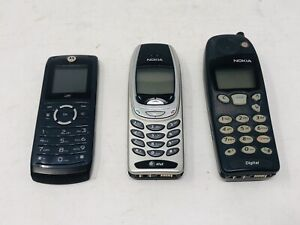 Mixed Lot of 3 Old Cell Phones Nokia and Motorola Digital No Chargers