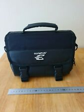 Olympus E Camera Bag, does not come with shoulder strap