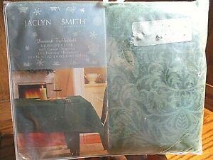 "NIP Jaclyn Smith Midnight Clear Green Damask Tablecloth 60""x84"" Oblong      542"