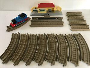 Thomas & Friends Mattel Gullane Motorized Train, Station & Track 2009 Playset