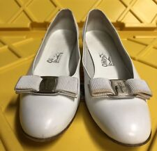 WOMEN SALVATORE FERRAGAMO EMBOSSED VARA BOW LEATHER Low-heel SHOES 9.5 A Italy