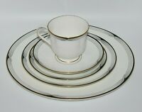 * Lenox * Erica White Bone China Debut Collection 5 Piece Dinner Service Set