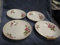 "Moss Rose Salad Soup Bowl 7-1/2"". Gold rim.  Set of 4 Bowls Japan Quite Nice !"