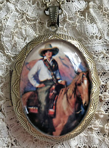 LOVELY COWGIRL ON HORSE ~ Vintage Picture Locket Necklace ~ WESTERN HORSEBACK