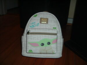 LOUNGEFLY STAR WARS BABY YODA WITH FROG~ MINI BACKPACK~ WITH TAG~ NEW~ STAR WARS