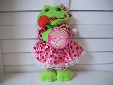 Sugar Loaf Valentine's Day Kissing Couples Frog with hearts dress