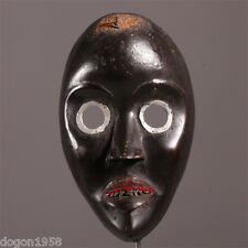 6751 très beau masqueDan avec des dents en métal