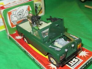 Britains 9777 Military Land Rover Series 2 LWB Pickup 1/32nd scale VGC boxed