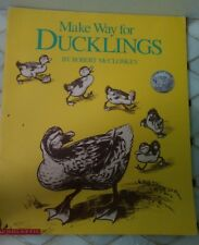MAKE A WAY FOR DUCKLINGS 1969 PAPERBACK SCHOLASTIC BIG BOOK BOOK BY ROBERT MCCLO