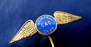 WW2 RAAF ROYAL AUSTRALIAN AIR FORCE WIRRAWAY CAC CLUB SILVER GILT WINGS BADGE.