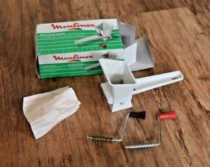 Moulinex Mouli Herb Mill Shredder Grinder White Plastic Retro / Vintage