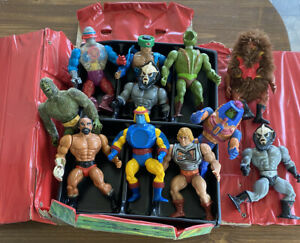 Vintage lot 11 Masters of the Universe Action Figures Plus The Carry Case 1984