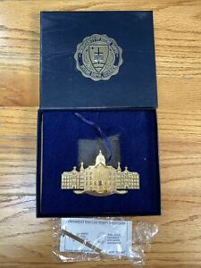 USED 2005 COLLECTIBLE NOTRE DAME CHRISTMAS ORNAMENT CHRISTMAS UNDER THE DOME
