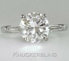 Solitaire with Accents Natural Round VVS2 Fine Diamond Rings