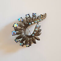VINTAGE COSTUME BROOCH PIN - COLLECTORS PIECE