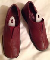 Ladies Clarks Red Leather Slip On Loafer Shoes Size 4 1/2