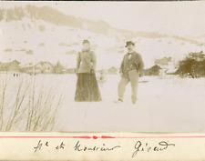 Suisse, Homme et femme en promenade hivernale, ca.1895, Vintage citrate print Vi