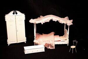 1960'S SUSY GOOSE BARBIE 4 poster canopy bed Chest Armoire hangers Bedding