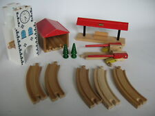 BUILDINGS / ACCESSORIES for  Wooden Train Track Set (  Thomas Crossing ) b