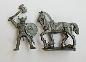 1/45 Mounted Viking Warrior with Axe Soft Plastic Toy Soldier 42 mm Figure