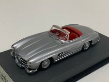 1/43 Minichamps Mercedes 300 SL W198 1954 to 1963 Silver Leather base A1062