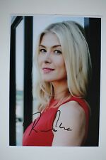 Rosamund Pike signed 20x30cm Foto Autogramm / Autograph In Person 6