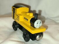 Thomas & Friends Wooden Railway Train Tank Engine - Duncan - Yellow - 2003 EUC