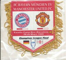 PETIT FANION 10*9 CM BAYERN MUNCHEN Vs MANCHESTER UNITED CHAMPIONS LEAGUE 1999