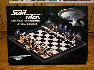 Star Trek The Next Generation 3-D Chess Set Game New (Open Box)