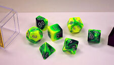 Dungeons & Dragons Fantasy 16mm 7 Piece Dice Set: Gemini Green Yellow 26454