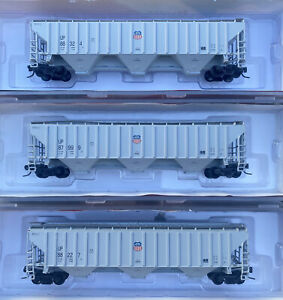N Scale InterMountain Union Pacific 4750 cu ft 3 bay hopper UP Runner Pack Set