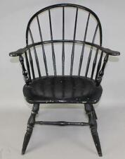 """A BOLD 18TH C CONNECTICUT """"TRACY SCHOOL"""" SACKBACK WINDSOR ARMCHAIR IN OLD PAINT"""