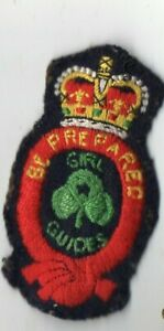 """GIRL GUIDES """" QUEENS CROWN """" BE PREPARED """" CLOTH BADGE"""