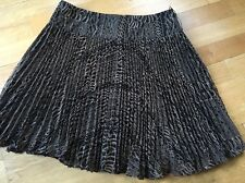 NANETTE LEPORE Embroidered Pleated Skirt Sz 8