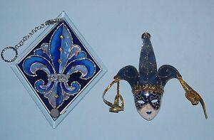 #41110 FLEUR-DE-LIS WITH BLUE AND SILVER MASK SUNCATCHER GLASS DECOR