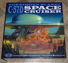2009 NOS Sealed Mint Polar Lights Forbidden Planet C-57D Space Cruiser Model