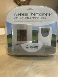 oregon scientific Wireless Thermometer With Self-setting Atomic Clock