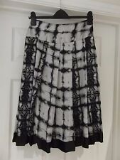 MALVIN Skirt Tie Dye Black/Grey/White Silky Feel A-Line Classic UK Size 10