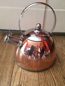 Crofton Whistling Kettle Copper And Chrome Finish 3pint/1.5litreMaximum Capacity