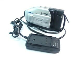 Panasonic PV-L454D VHS-C Camcorder Palmcorder Video Camera TESTED w/ Charger