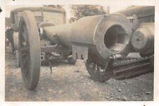 Franz.Geschütz und LKW Renault in Port - sur - Saone Frankreich